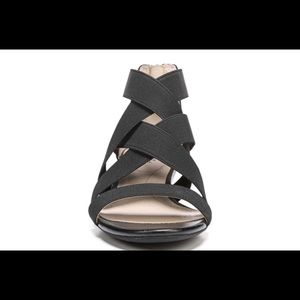 🌻 Sz 8.5, Black Yasemin Sandals, open toe
